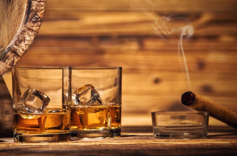 amazing-whiskeys-and-cigar-pairing-lapolo