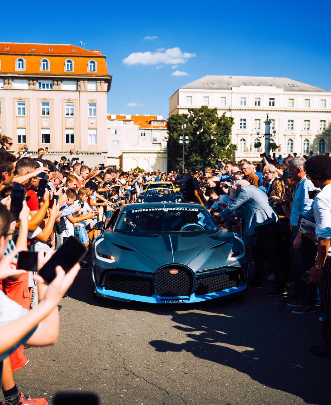 Bugatti-luxury-car-lapolo