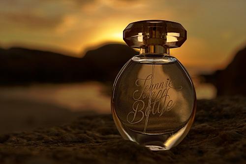 Organic Perfumes, Perfumes, Bespoke Perfumes, Natural Fragrances, Soothing Scents, Best Perfumes, Best Perfumes for girls, Best Perfumes for everyday use lapolo