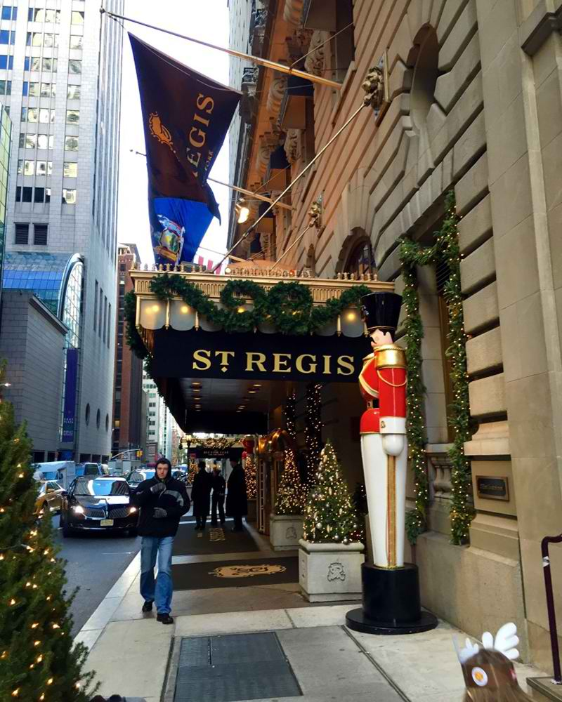 Book your luxury hotel stay with St. Regis Hotels. We offer 5-star luxury accommodation along with signature services, exquisite experiences and timeless traditions to create an unforgettable stay.