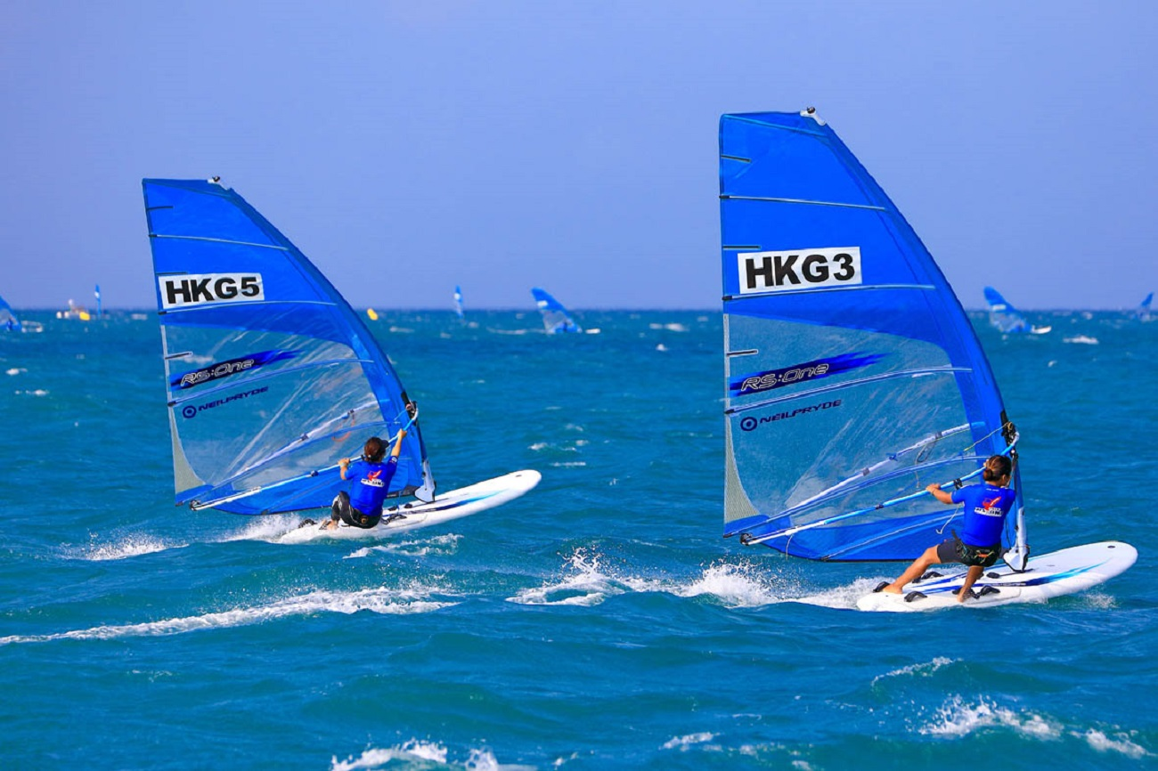 Experience the blue world sailing with yacht racing.