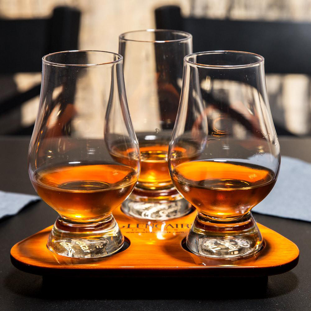 whiskey , Beginners guide to drinking scotch   ,best whiskey in the world ,Chivas Royal Salute