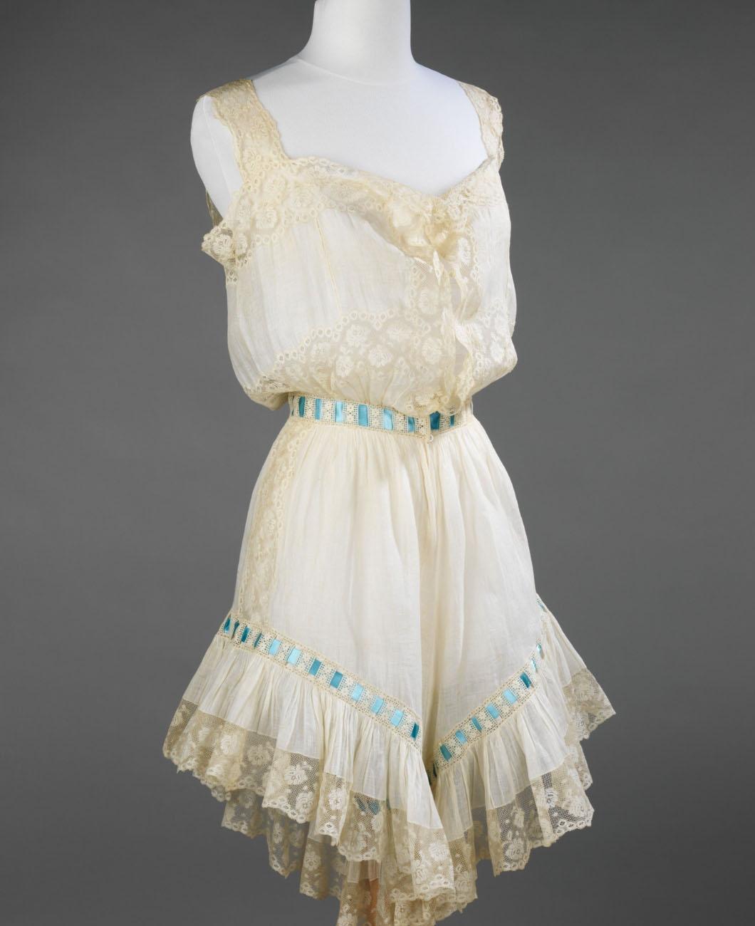 chemise-history-la-polo-lapolo-camisole-corset-vintage-lingerie-garments-waist-trainers