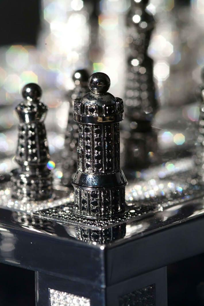 Royal Diamond Chess