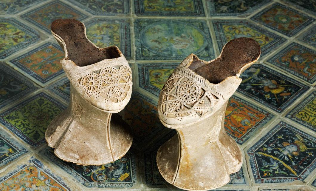 chopines-stilettos-heels-high-heels-la-polo-latest-trends