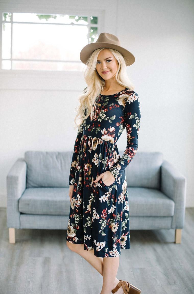 Fashion styles, fashion, styles, fashion trends, printed dress, bell bottoms, cropped trousers, culottes, monochrome dresses, chintz dresses