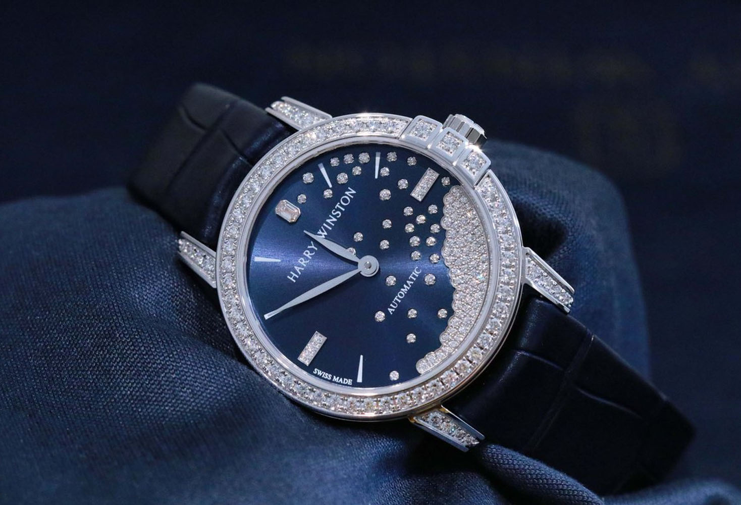 Whimsical Midnight Diamond Drops:Best Watches Of SIHH 2019