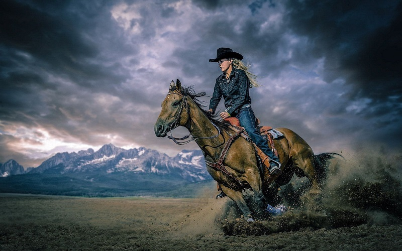 horse riding, horseback riding, horse, equestrian, Jamie Foxx, Django Unchained, equestrianism, health benefits of horse riding, psychological benefits of horse riding, rules of horse riding, Kaley Cuoco, The Big bang theory, Jeremy Irons, Bella Hadid, Gigi Hadid, Assassin's Creed, Batman Vs Superman, Richard Hammond, The Hamster, Madonna, Viggo Mortensen, Lord of the rings, Kiefer Sutherland, 24,
