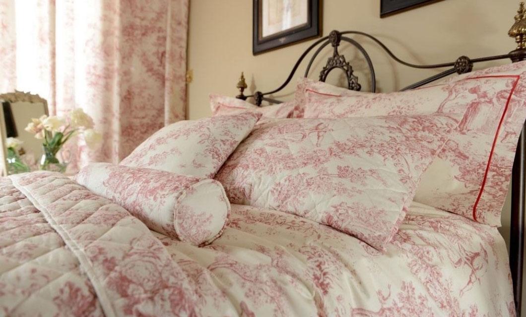 la-toile-de-jouy-bed-sheet-vintage-trend_-la-polo-lapolo-bed-cover-floral-patterns