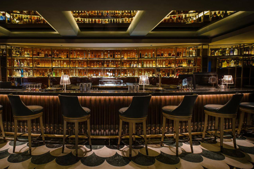 Manhattan Bar Singapore , The finest bars from all around the world ,best bar in the world , best bar , top 10 pub and bar,best bar in Singapore