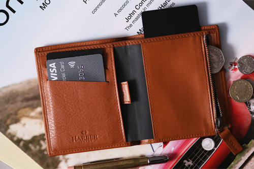 4 Men's Wallet That Can Never Go Out Of Fashion