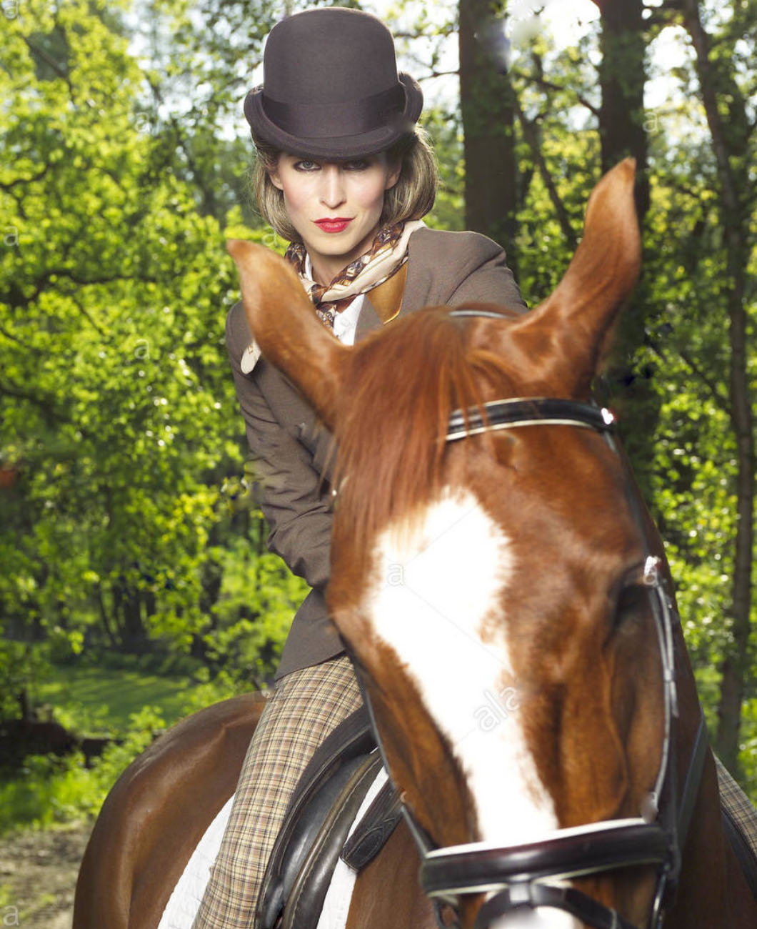 neckerchief-necktie-shirt-elegant-outfit-carolina-herrara-la-polo-lapolo-horse-rider