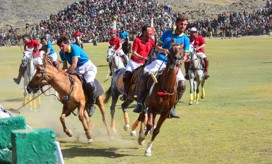 the-only-rule-they-seem-to-have-is-having-no-rules-at-all-shandur-polo-pakistan-la-polo